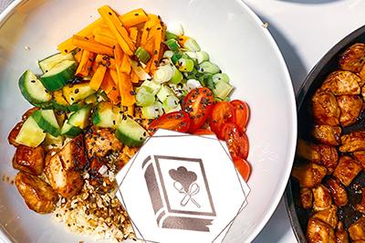 Low Carb Bowl mit Blumenkohl-Reis